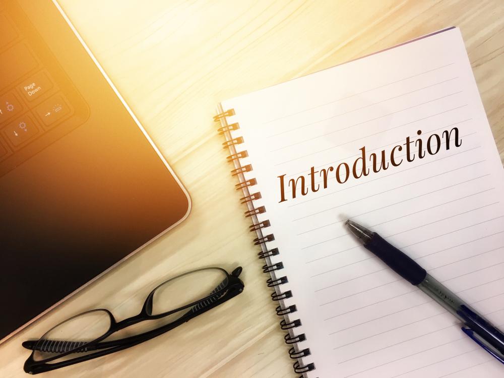 Como começar uma introdução: 6 táticas para você desempacar no início do texto